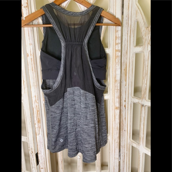 lululemon athletica Tops - Lululemon size 8 built in bra tank black